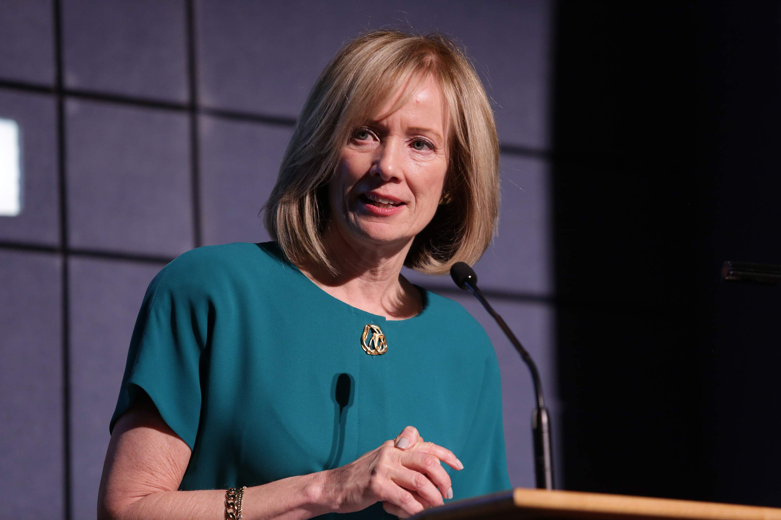 Judy Spires, chairman and CEO of Kings Food Markets, delivers inspiring remarks as she is awarded the Lifetime Achievement Award at the Best 50 Women in Business reception.