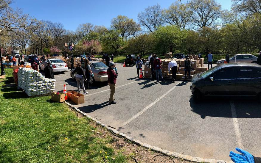 On April 28, the Community FoodBank of New Jersey held an Emergency Food Distribution Event at Essex County Branch Brook Park with volunteers distributing boxes to more than 2,000 families. In response to the COVID-19 outbreak, CFBNJ supplied enough food to support 4.8 million meals, just in March – a 20 percent increase over the year before.